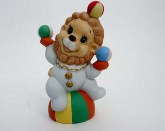 Vintage Circus Lion Figurine - Porcelain HOMCO Home Interior Circus Juggler Lion Made in Sri Lanka - Homco 1423