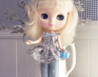 Baby doll top for Blythe doll....sweet...gray with pale blue flowers