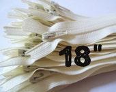 18 Inch vanilla YKK zippers, Ten pcs, ivory, off white, YKK color 121, dress, pouch zippers, sewing supplies