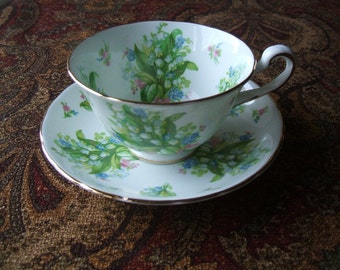 Royal Chelsea English Bone China Signed Teacup & Saucer Se t, Spring Snowbell Flowers