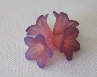 Two Tone Blue Coral Hand Dyed Lily Flower (6)