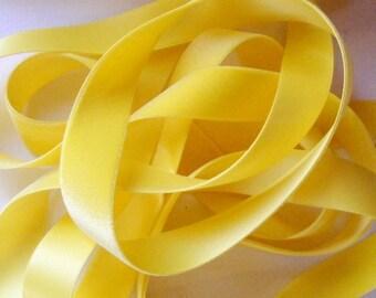 Antique 1930's German Cameo Velvet Ribbon 1 Inch Gorgeous Dark Golden Yellow