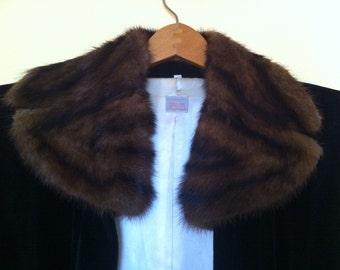 Unique Vintage (Modern day) Black Velour Coat w/Mink Collar ~ day/night ~ belt it & go