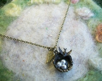 Necklace with Bird Nest and Little Sparrow