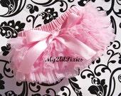 Baby Girl PINK ruffle BLOOMER with bow , chiffon ruffle diaper cover, pink ruffle bum , photo prop, newborn ruffle bloomer, Newborn Photo