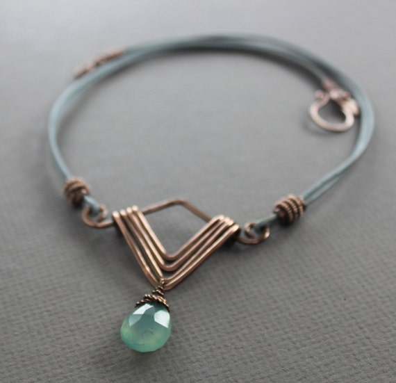 Art Deco necklace in copper with faceted mint chalcedony briolette stone pendant on leather - Statement luxurious necklace - NK026