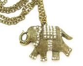 Elephant Necklace, Vintage Elephant Pendant, Faux Pearl Necklace, Vintage Necklace, Gold Tone Chain, Vintage Elephant, Rhinestone  Necklace