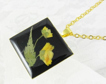 Japanese Yellow Wild Rose, Pressed Flower Pendant, Real Natural  Flowers in resin  (1581)