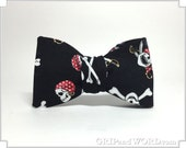 The Privateer - Skull and Crossbones Pirate Bowtie