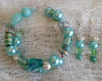 Oceans Crystals Glass and Ceramic Bead Handmade Bracelet and Earring Set