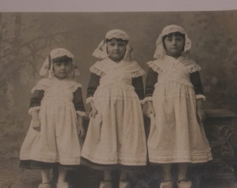 Antique Dutch Dressed Sisters with Wooden Shoes / RPPC 1907