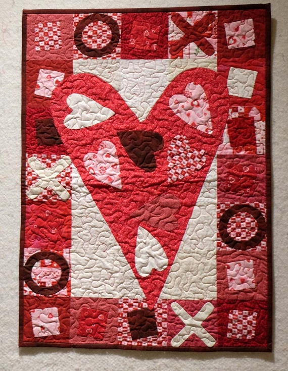 Heart Valentines wall hanging mini quilt LOVE red and pink