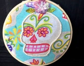 Embellished Day of the Dead Halloween 3-Inch Skull Hoop Art with Pink Flower, Beads, Sequins