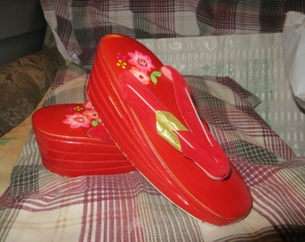 Vintage 40s  ww2   Japanese RED Shoes Wooden lacquer  Children's/ small size womens  Maiko Geisha Geta