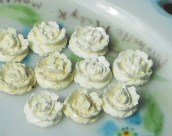 Celluloid roses,Vintage rose cabochons,Vintage Cabochons,Rosebud cabochons,cream Roses, Japan Celluloid NOS Carved Ivory Color 10 #1230