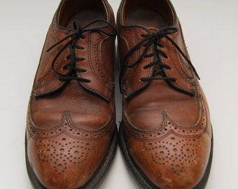 mens 1970s Knapp Shoes brown wingtip oxford shoes