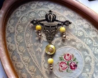 Crowning Glory brooch