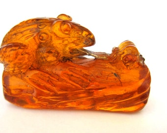 Vintage Japanese amber netsuke -Frog Eats Bug on Log,signed by artist