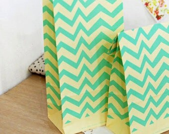 30 Zigzag Mint Paper Bags - M size (6 x 10.6in)