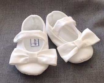 Baby Girl Shoes, White with bow