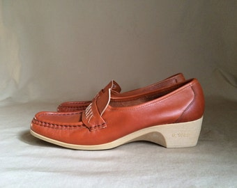 vintage 1970's wedged heel loafer shoe womens size 10 N made in Italy Cobbies (nos) never been worn