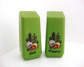 Vintage Green Mushroom Salt and Pepper Shaker Set