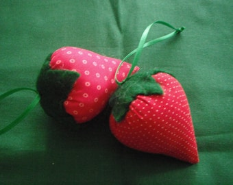 Strawberries / Set of two Fabric Ornaments / pin cushions