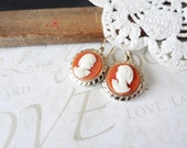 ATHENA vintage cream ivory cameo earrings (gold)