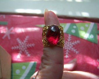 Gold Openback Filigree Red Stone Ring