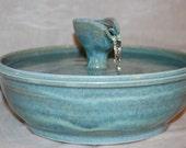 "Cat Drinking Fountain, Pet Fountain, Ceramic, Foodsafe - 11.25 Inch Diameter - ""Jade Bateau II"""