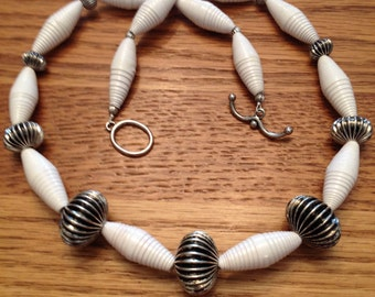 Rolled recycled paper bead necklace JN15006