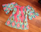 Ready to ship!  Size 3T Christmas/holiday peasant style tunic with detachable bow detail.