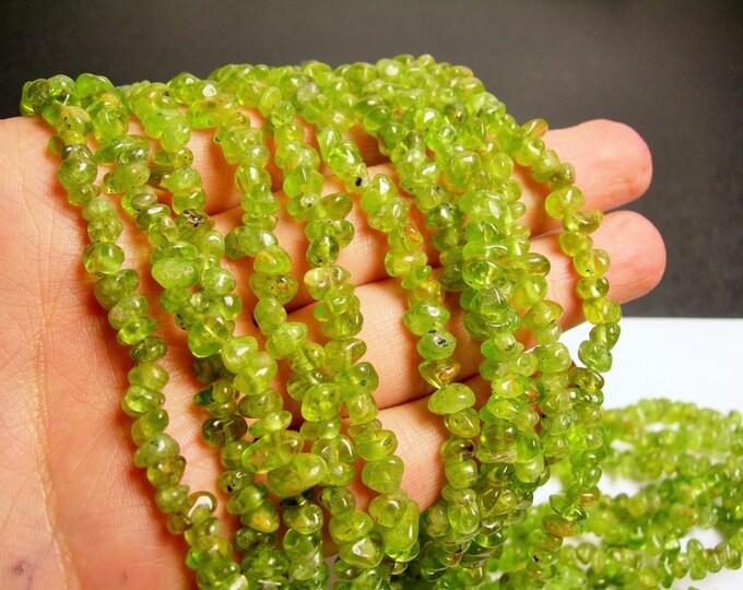Peridot - chip stone - pebble- nugget - bead - 36 inch -full strand - PSC44