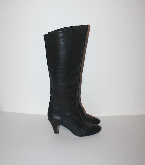vintage black leather boots etienne aigner designer