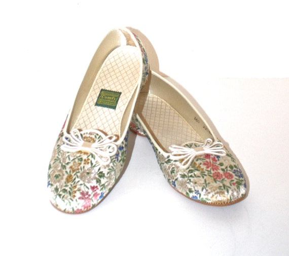 daniel green bedroom slippers vintage 1960s floral slippers pink and gold glitter floral 15068