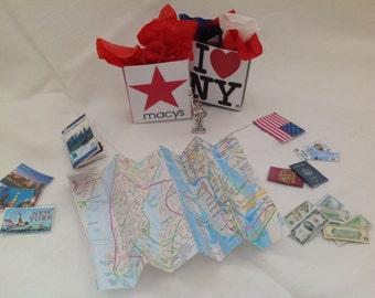 Dolls House Miniatures - 1/12th World Series travellers set - New York, San francisco, Toronto, Scotland