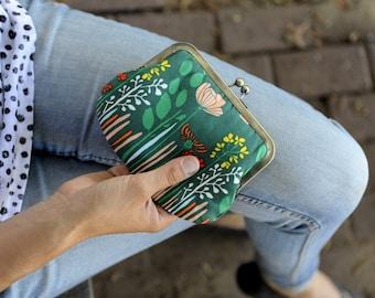 clutch purse. small wallet. kisslock purse. wild flowers clutch purse