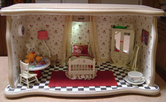 Miniature Children S Bedroom Room Box Diorama: Alice In Wonderland Bedroom Room Box Dollhouse Miniature Theme