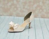 Wedding Shoes - Bridal Shoe -  Bow Shoes - Dyeable Satin Wedding Shoes -  Ivory Wedding Shoe - Custom Wedding Shoe - Heels Peep Toe Shoes -