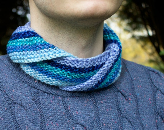 Ocean Waves Men's Nuzzler - Blue Unisex Infinity Scarf for Man or Woman - Cowl Scarves