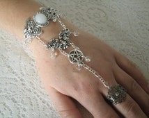 Moonstone Pentacle Slave Bracelet, wiccan jewelry pagan jewelry wicca jewelry goddess witch witchcraft pentagram metaphysical magic bracelet