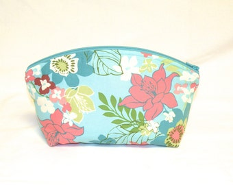 Extra Large Domed Make Up Bag In a Darling Vintage Inspired Print