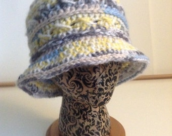 Womens Crochet Cloche