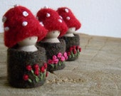 Waldorf Toadstool Tots, Toadstool peg dolls, Tree House dolls, Wee Forest Folk, Summer Nature Table, red, brown, green, pink, eco toys
