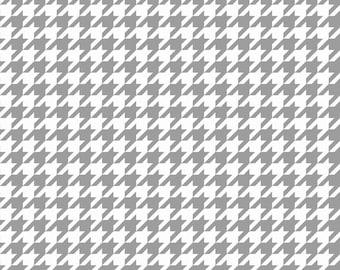 Basics Houndstooth Gray by Riley Blake Designs for Riley Blake, 1/2 yard