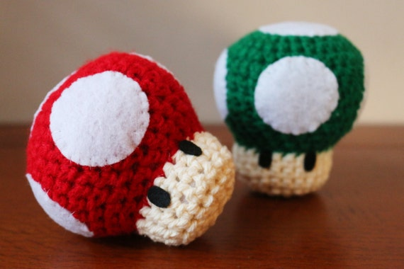 Mario Mushroom Set (Red and Green)