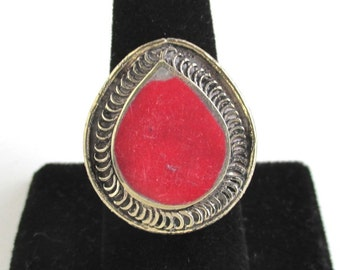Vintage Handmade Ring - Light Gold w/ Red Tear Drop Stone, Large