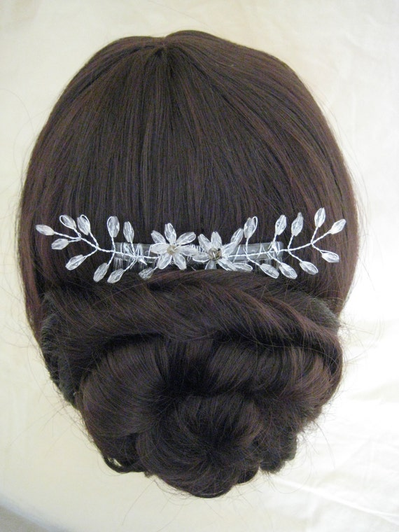 Hair Comb. HANDMADE. Beaded floral delicate Haircomb. Bridal, Wedding, Prom, Evening.