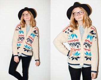 Cream and Blue Classic Ski Snowflake Pattern Chunky Knit Cardigan Sweater. M