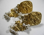 Vintage Signed BIJOUUFAN Gold Tone Ear Clips with Faux Pearls